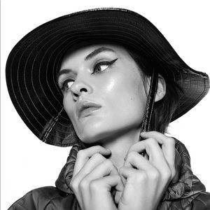 Zara patent finish bucket hat
